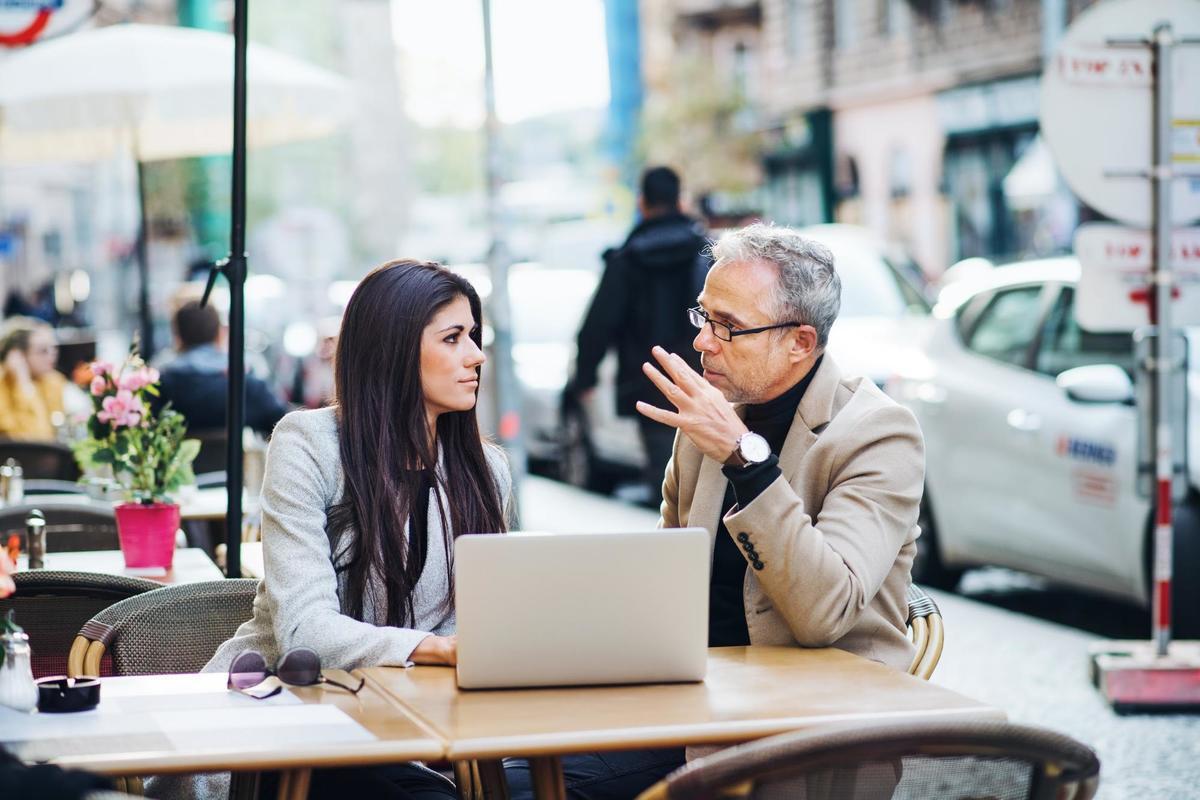 Melhores abordagens comerciais: a insistência do seu vendedor ainda fecha negócios?
